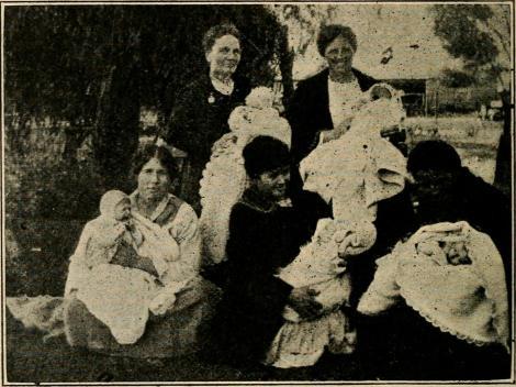 """Esta fotografía se tomó cerca 1922 (extraída de la pg. 425 de """"The Relief Society magazine : organ of the Relief Society of the Church of Jesus Christ of Latter-Day Saints"""""""